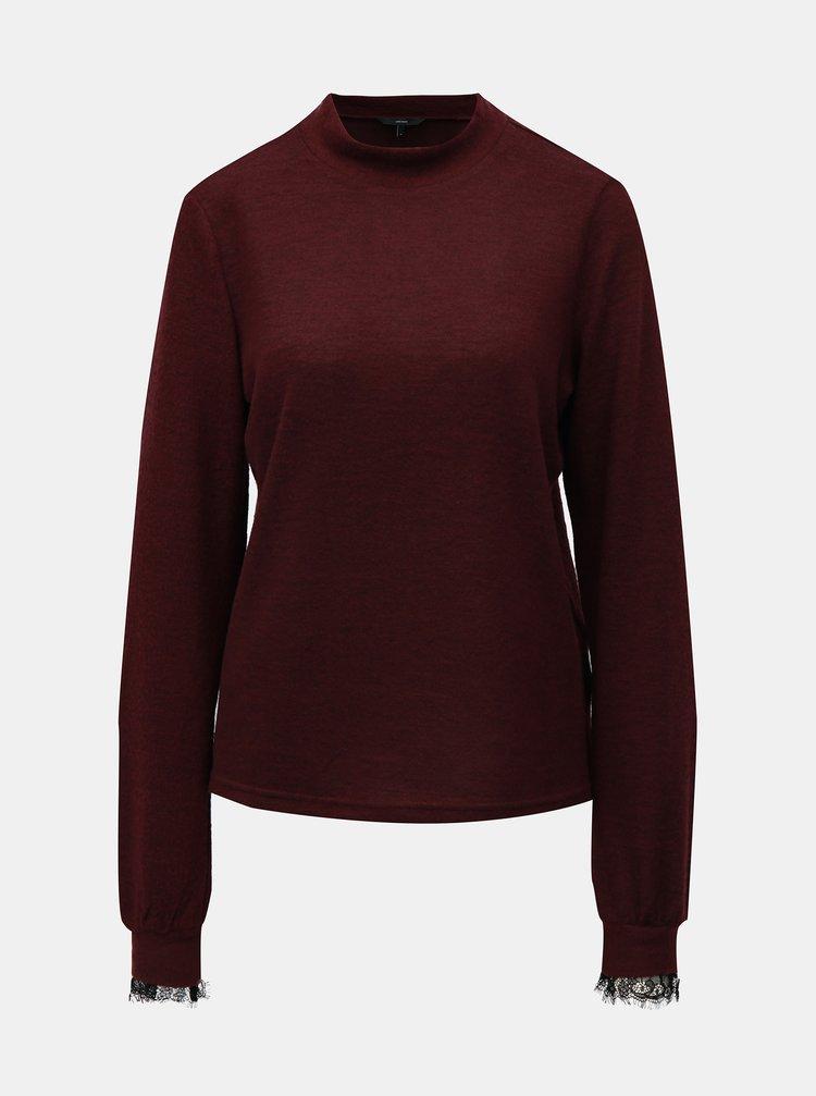 Vínový sveter s čipkovými detailmi a stojačikom VERO MODA Penny