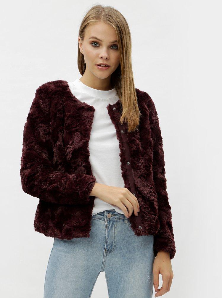 Vínový krátky kabát z umelej kožušiny VERO MODA Curl