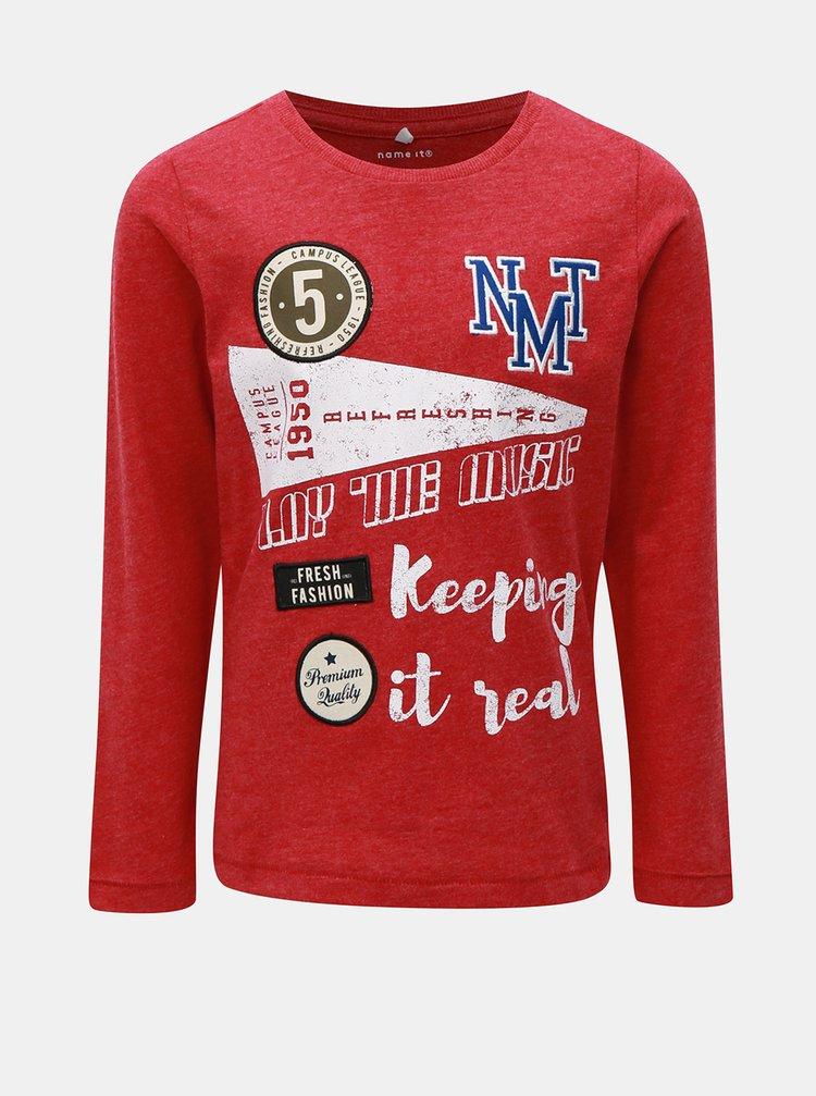 Červené klučičí žíhané tričko s dlouhým rukávem a nášivkami Name it Modion