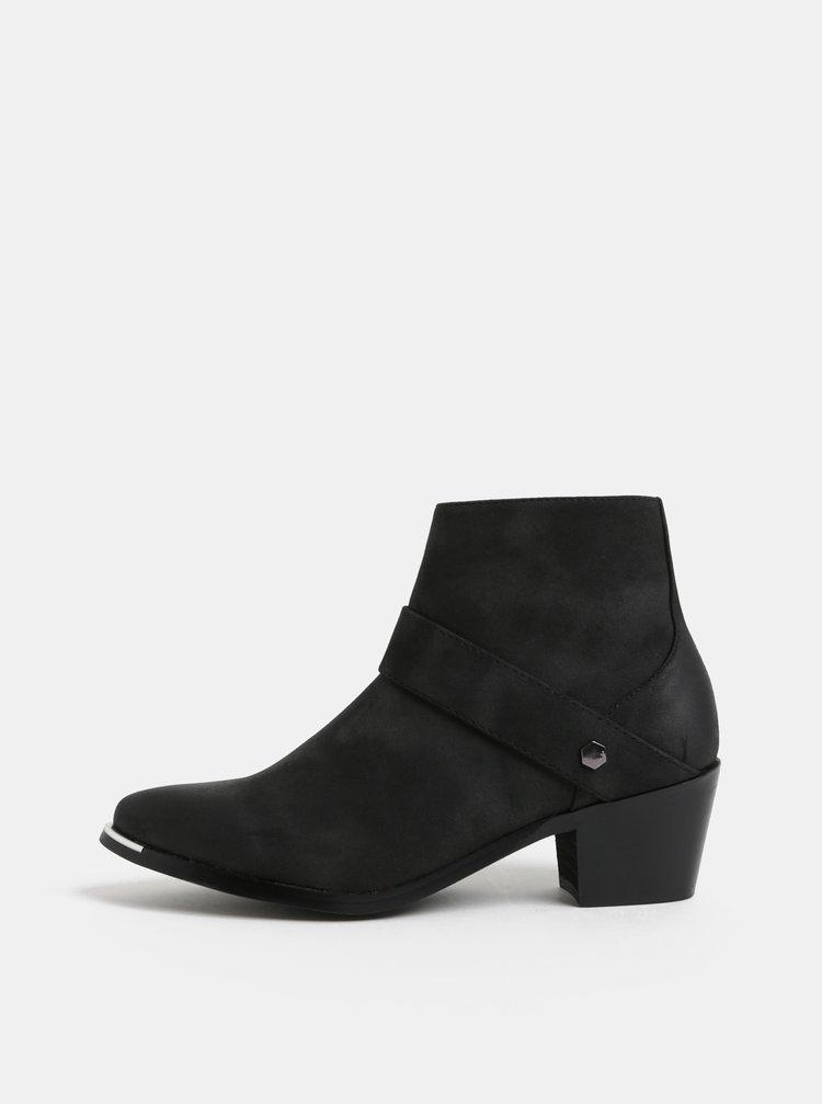 Černé kotníkové boty s detaily ve stříbrné barvě Pieces Denee