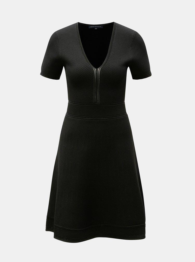 Čierne šaty s véčkovým výstrihom French Connection