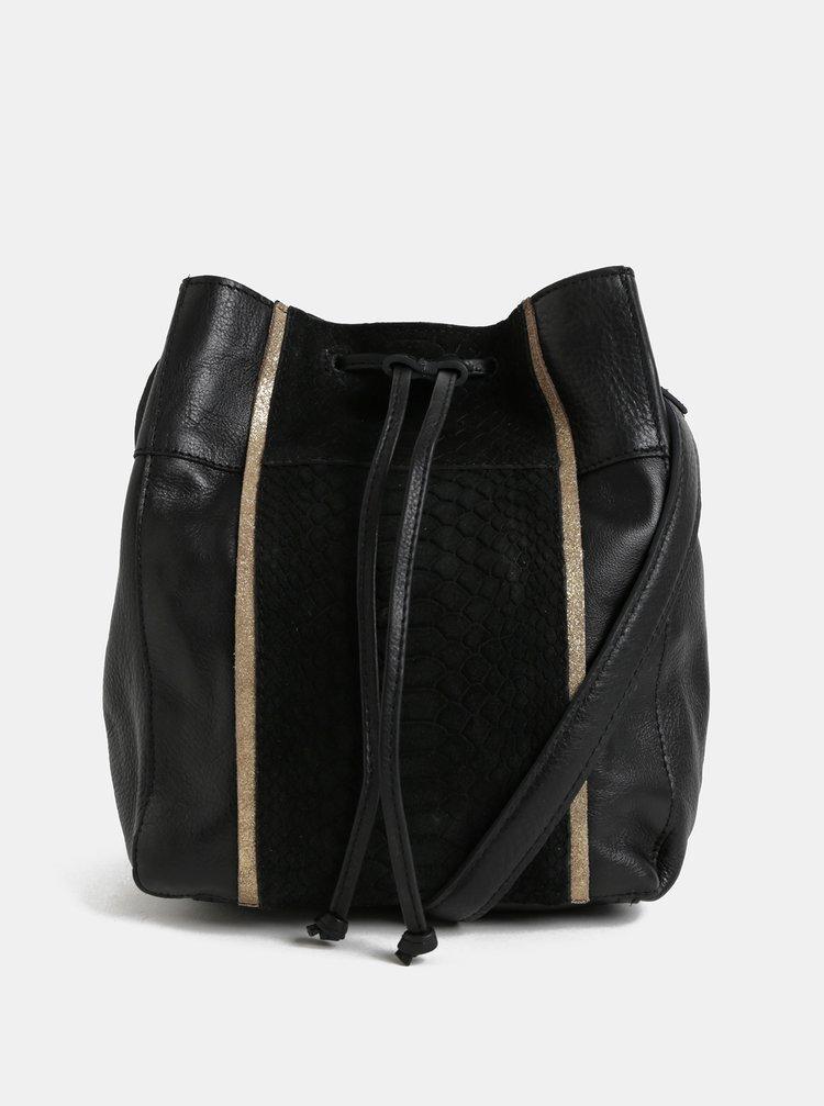 Černá kožená vaková kabelka s hadím vzorem Pieces Imi