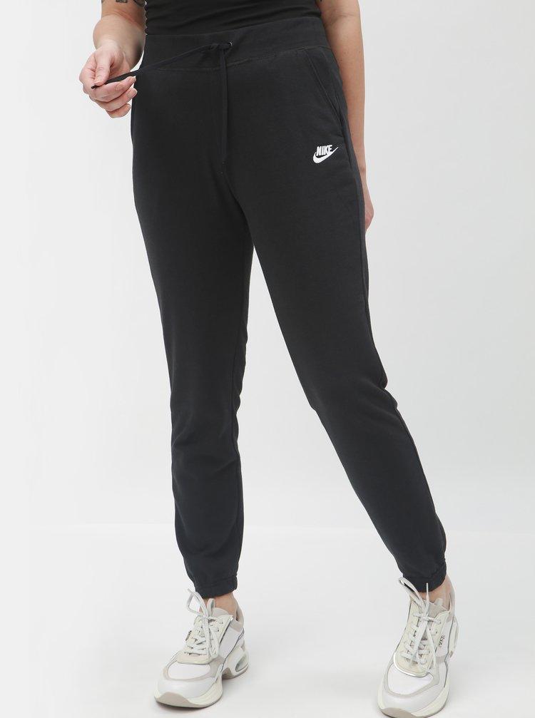 Černé dámské tepláky Nike