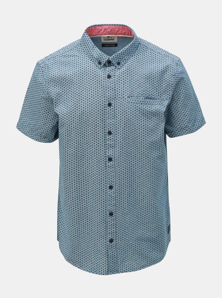 Světle modrá vzorovaná košile s kapsou Blend