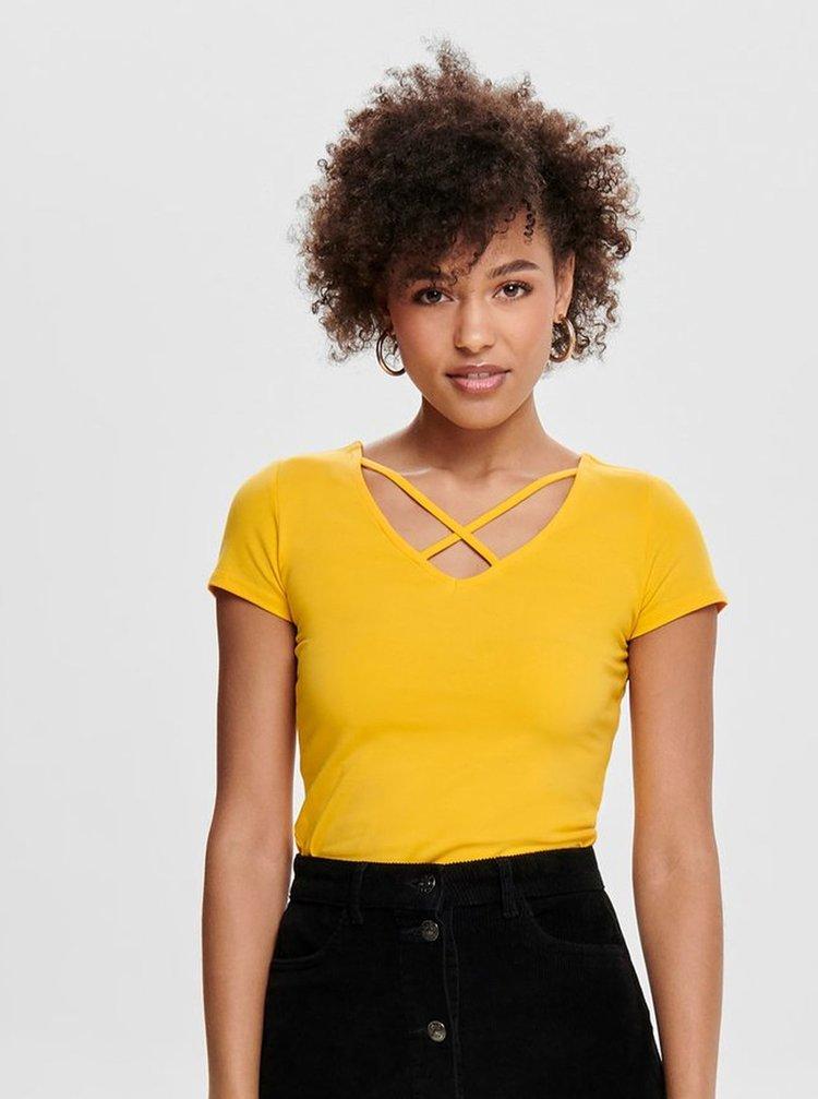 Žluté tričko s pásky v dekoltu ONLY Live