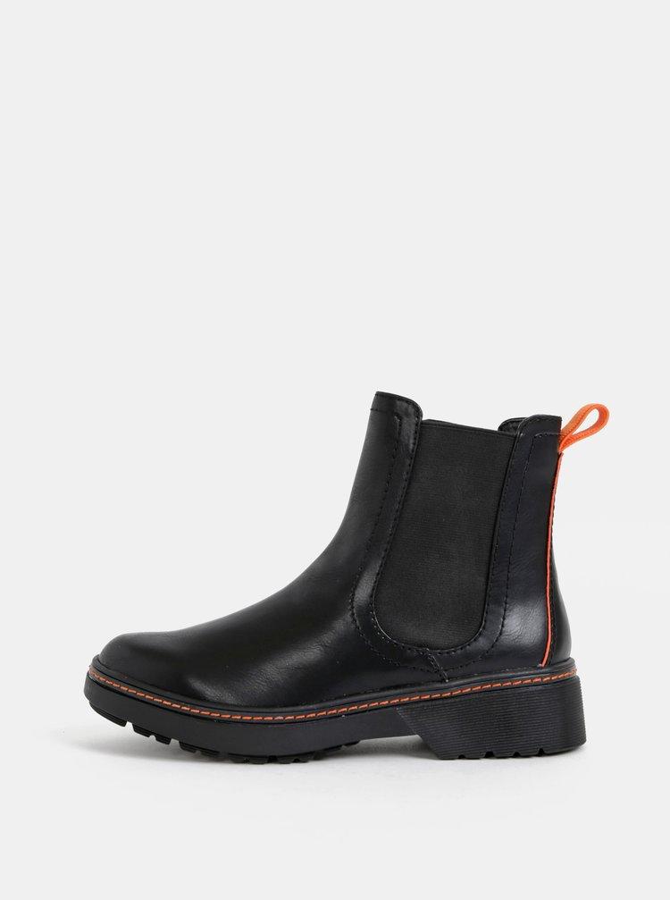 Čierne chelsea topánky Tamaris