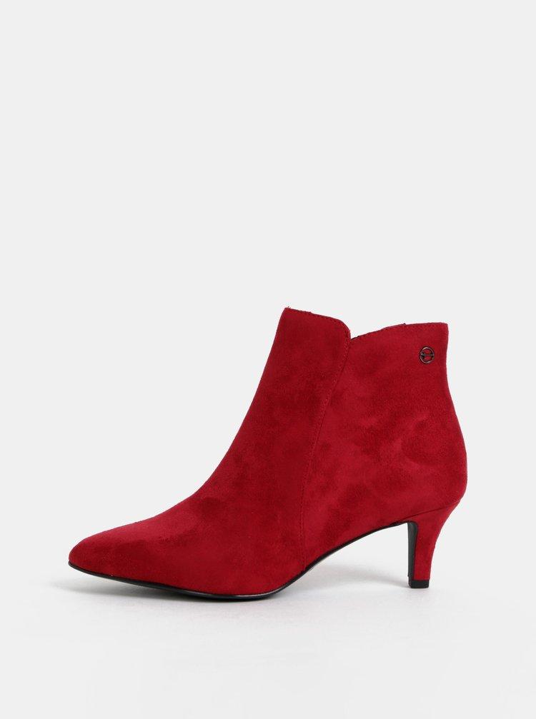 Červené kotníkové boty v semišovej úprave Tamaris
