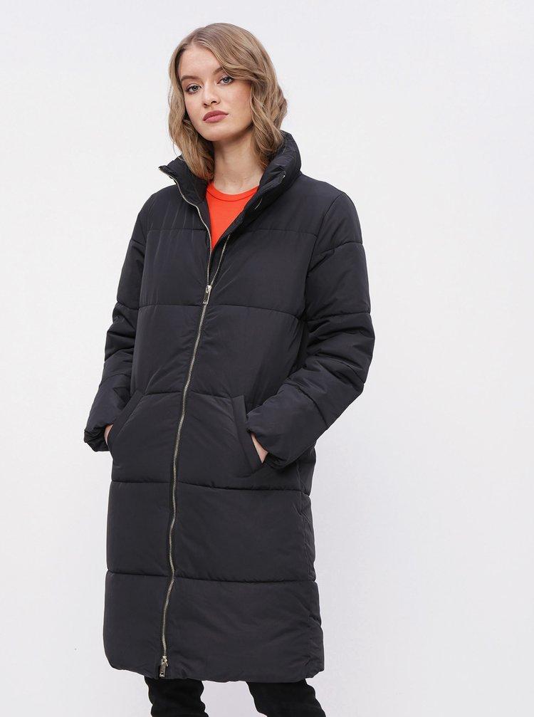 Čierny zimný prešívaný kabát Jacqueline de Yong Erica