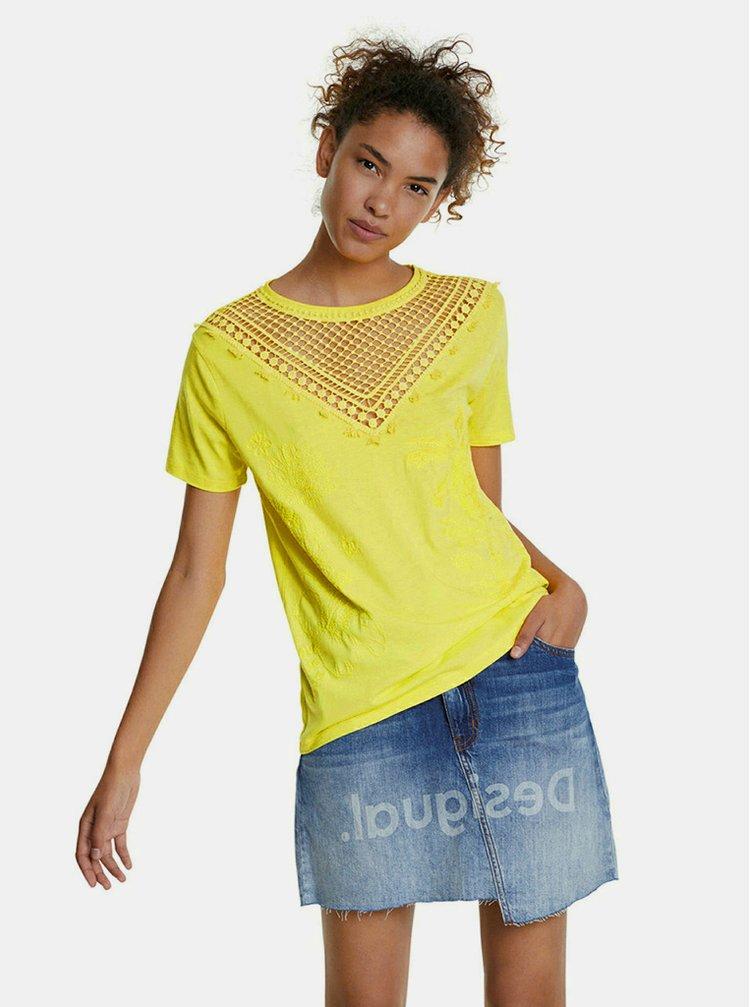 Tricouri pentru femei Desigual - galben