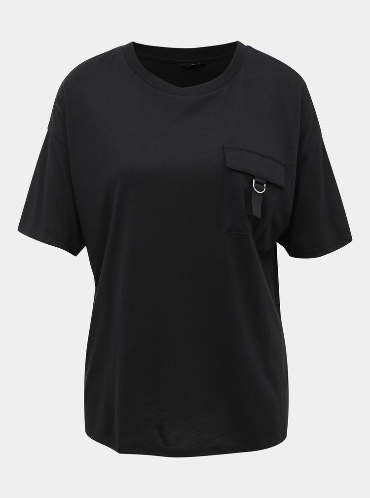 Černé tričko s náprsní kapsou M&Co