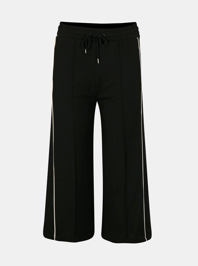 Pantaloni culottes negri cu dungi albi Moss Copenhagen Seely