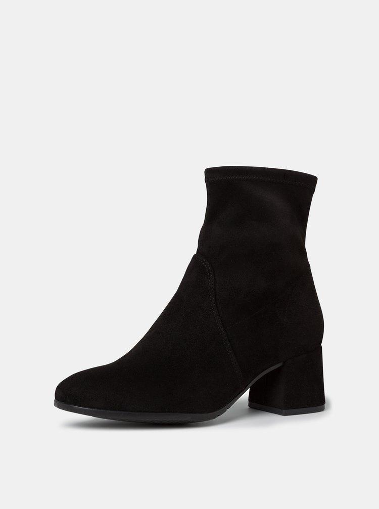 Černé dámské kotníkové boty v semišové úpravě Tamaris