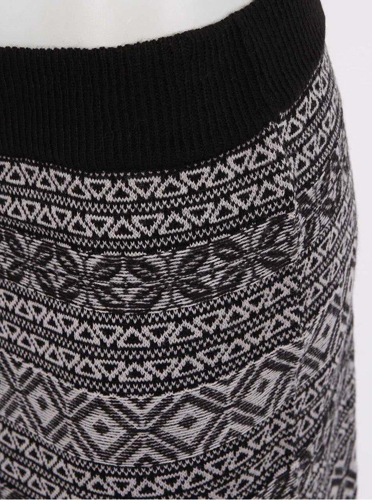 Fustă neagră Inka cu model geometric gri de la ONLY