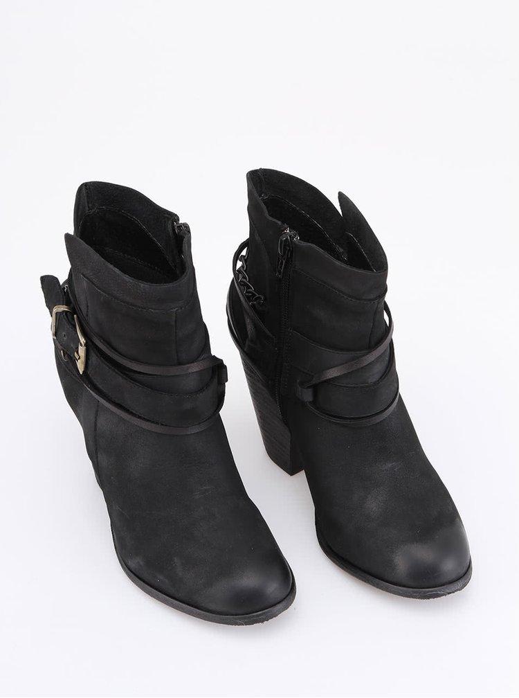 Černé kožené kotníčkové boty na podpatku Steve Madden