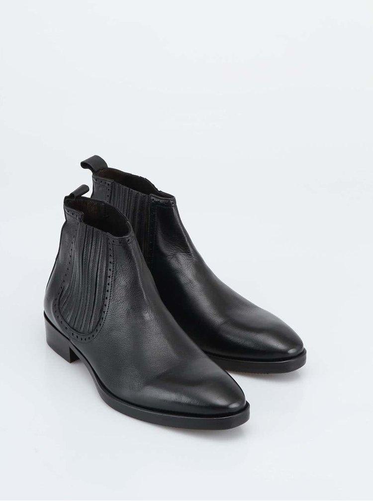 Černé kožené kotníkové boty J.Lindeberg Step