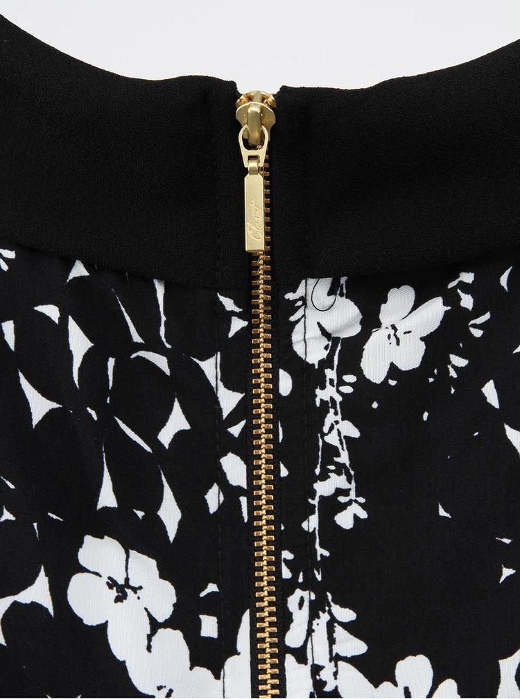 Čiernobiely top s kvietkami Closet