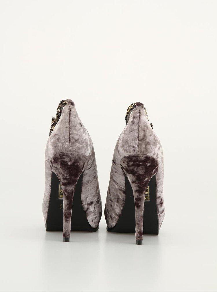 Escarpieni bej din catifea de la Victoria Delef