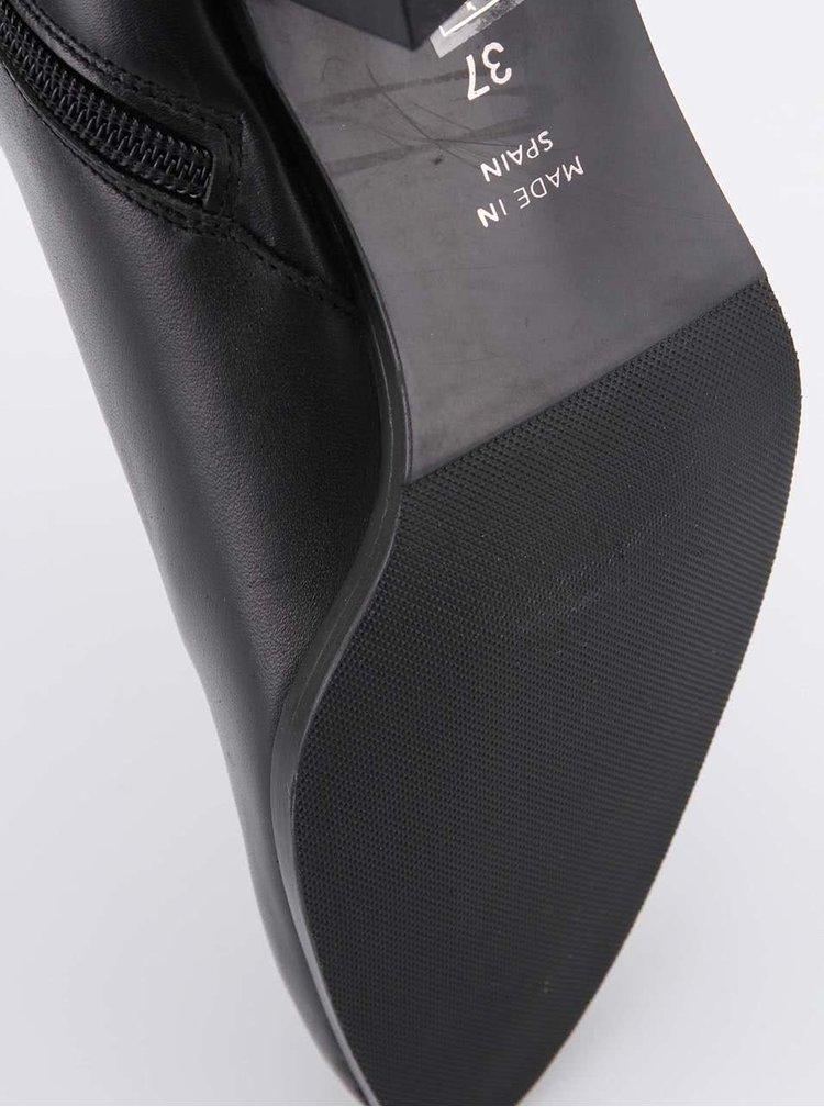 Černé kožené boty na podpatku s přezkou OJJU
