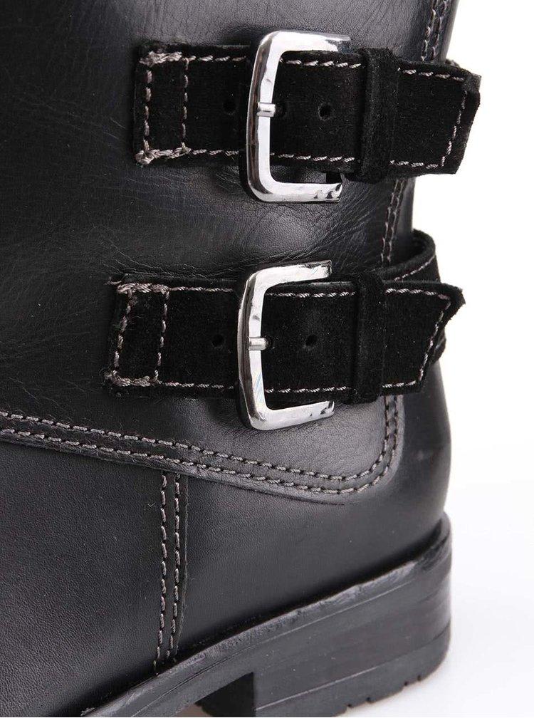Černé kožené boty s přezkami Tamaris
