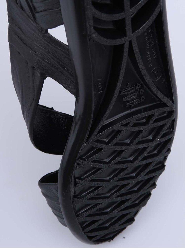 Čierne plastové sandálky JuJu Fergie