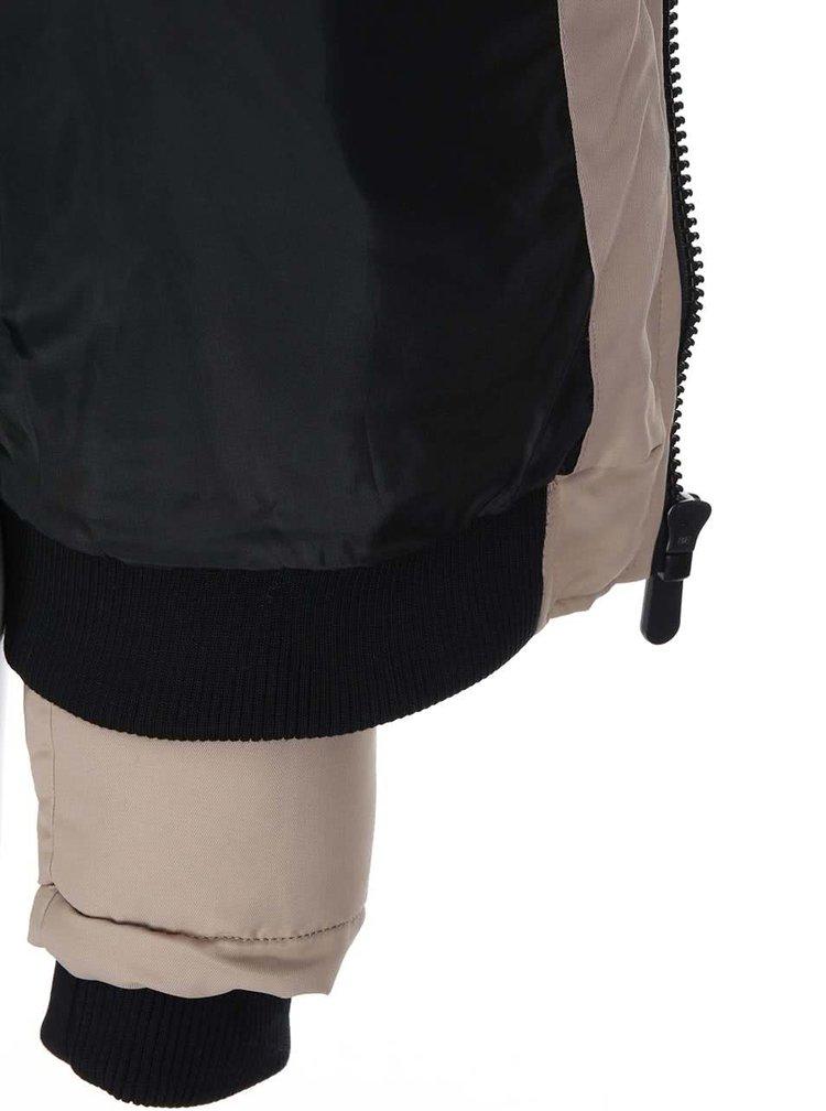 Jacheta matlasata Sandra bej cu gluga din blana de la VERO MODA