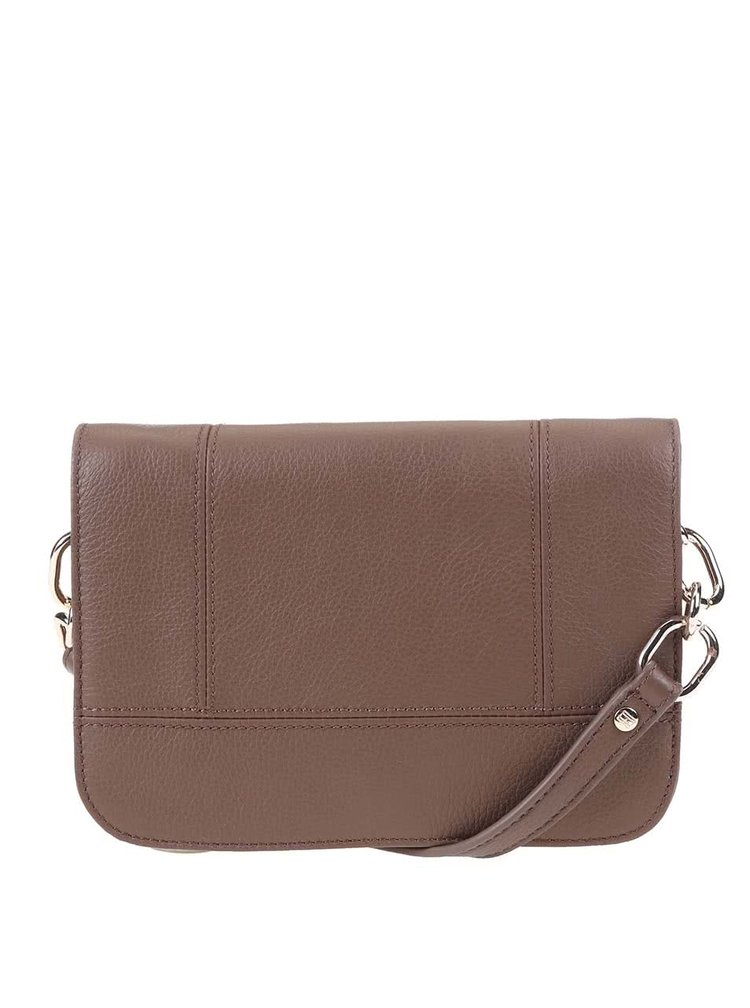 Hnedá menšia kožená kabelka cez rameno Tommy Hilfiger Signature