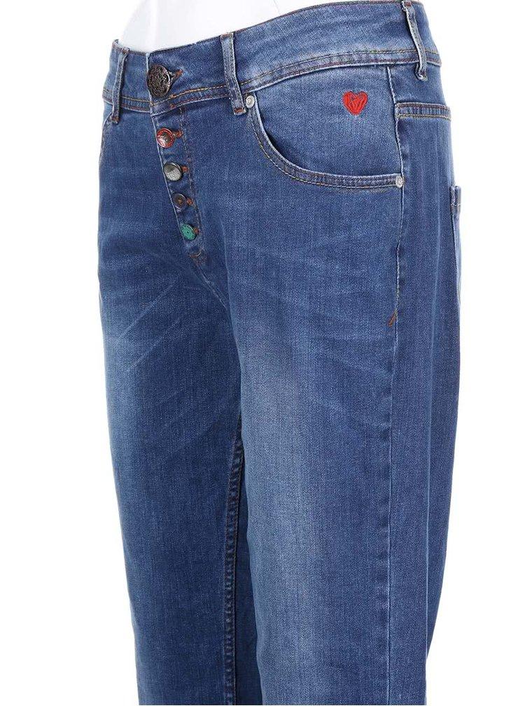 Modré džíny s červenou výšivkou Desigual Boyfriend