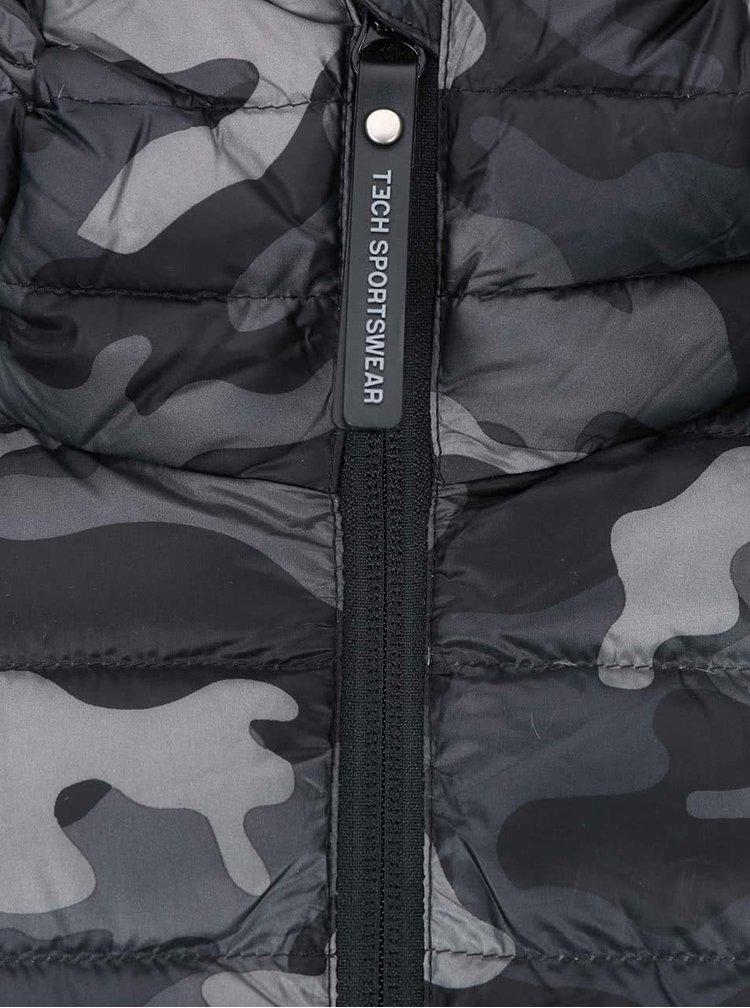 Maskáčová prošívaná bunda s kapucí Jack & Jones Tech Bonus