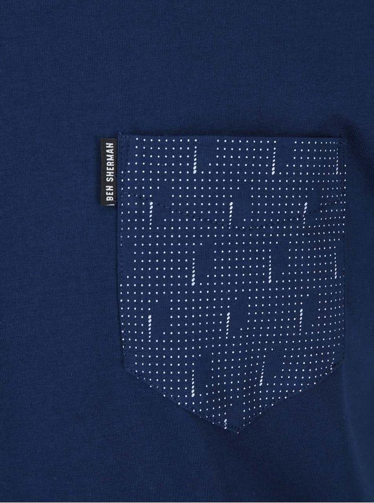 Tmavomodré tričko s náprsným vreckom Ben Sherman