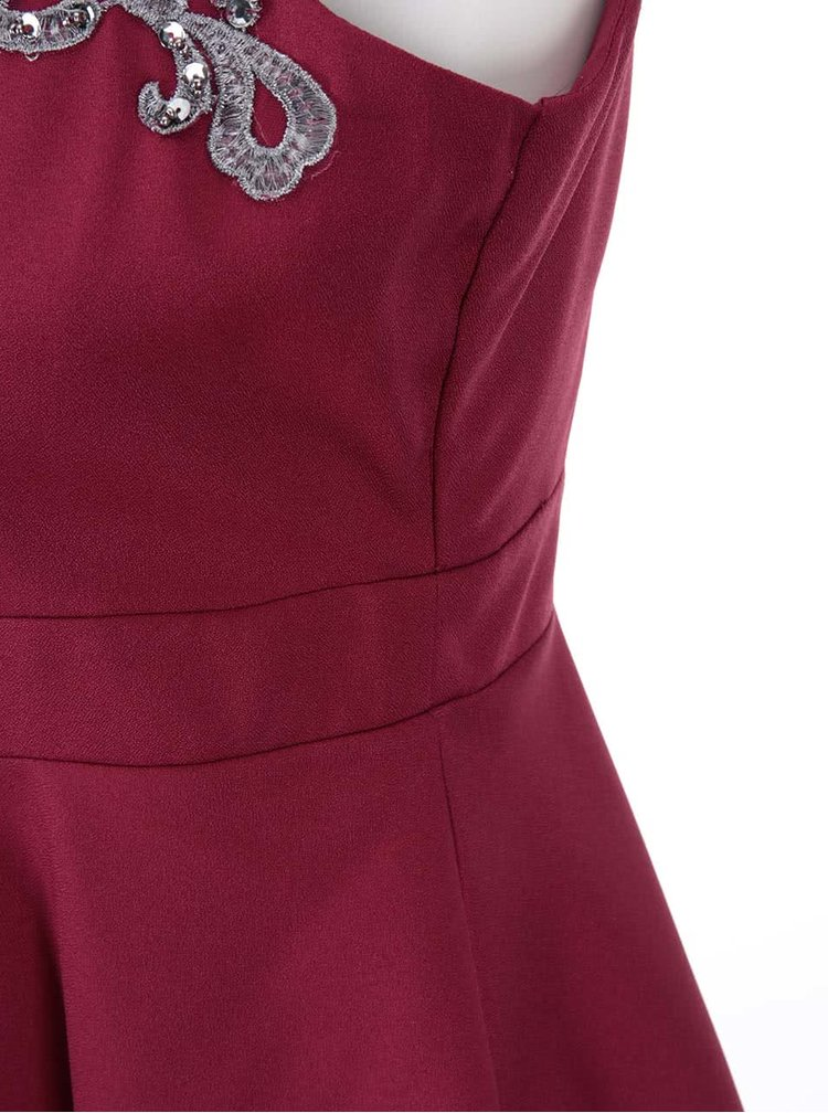 Červené šaty s výrazným zdobením Little Mistress