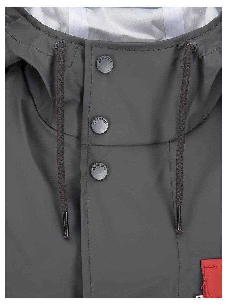 Červeno-šedá nepromokavá bunda s kapucí Ben Sherman