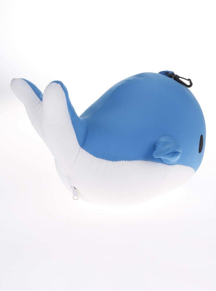 Bílo-modrý cestovní polštář ve tvaru velryby Kikkerland