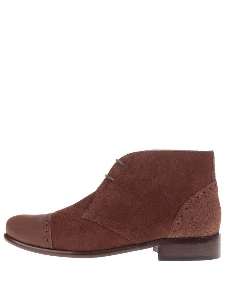 Hnědé kožené kotníkové boty s výraznými detaily OJJU