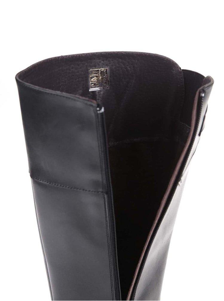 Černé kožené kozačky s přezkou ve stříbrné barvě OJJU
