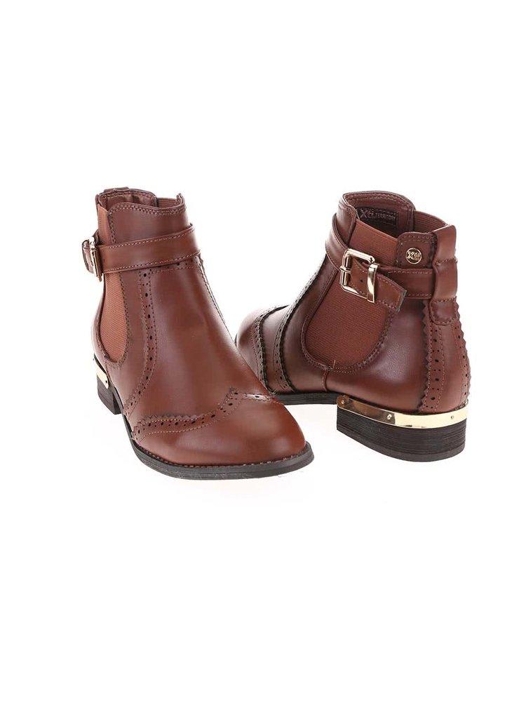 Hnědé kotníkové boty s detaily ve zlaté barvě Xti