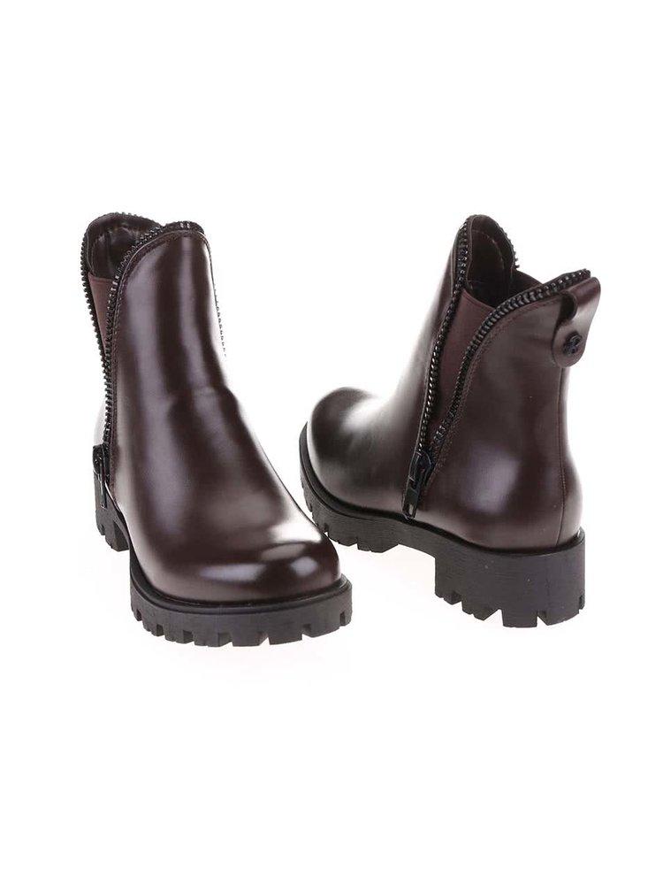 Hnedé členkové topánky s ozdobným zipsom Refresh