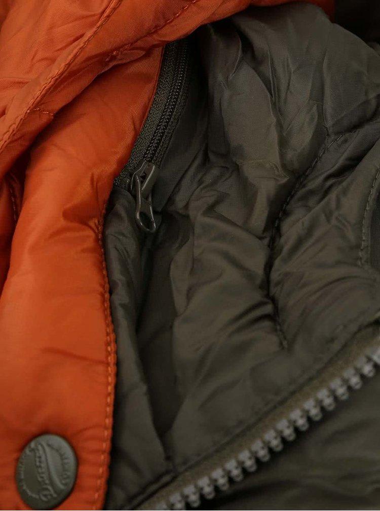 Jacheta matlasata cu gluga in combinatia verde si portocaliu de la Dstrezzed