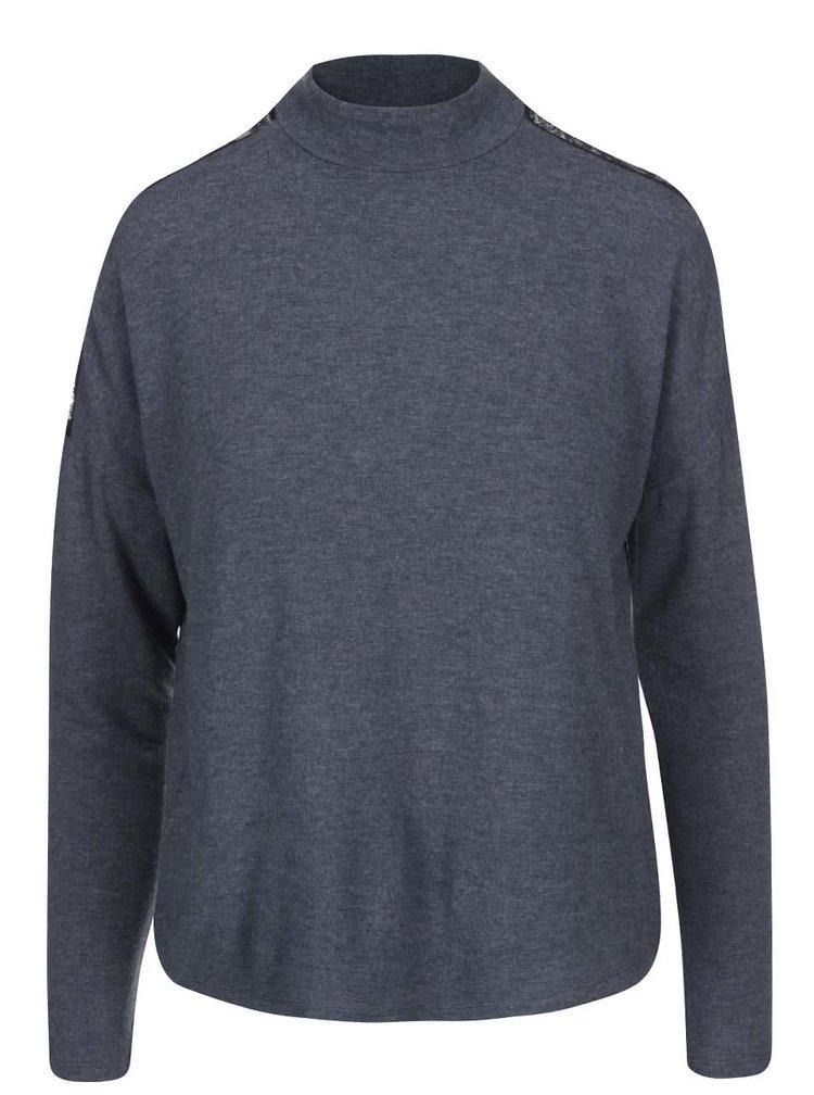 Tmavomodrý voľnejší sveter s detailom čipky ONLY June