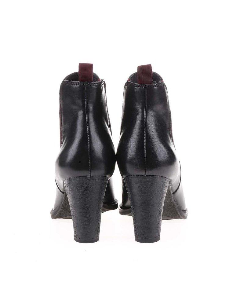 Černé dámské kožené chelsea boty na podpatku s.Oliver