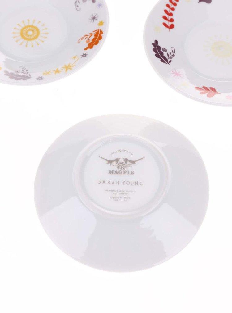 Bílý porcelánový set čtyř espresso hrníčků a podšálků s barevným vzorem Magpie