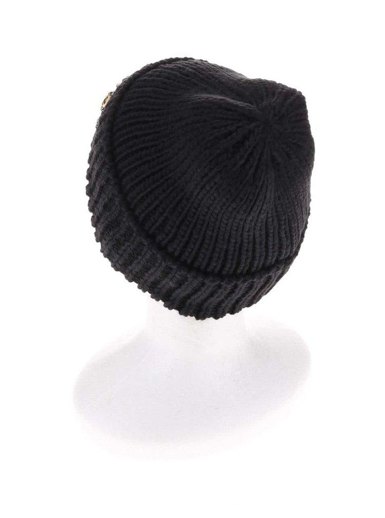 Černá čepice s kamínky Pieces Vilasta