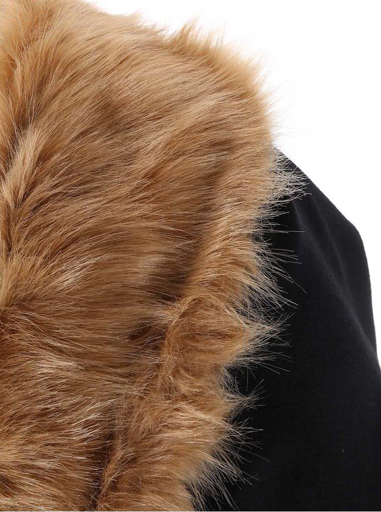 Čierny kabát s kožušinou Lipstick Boutique Camilla