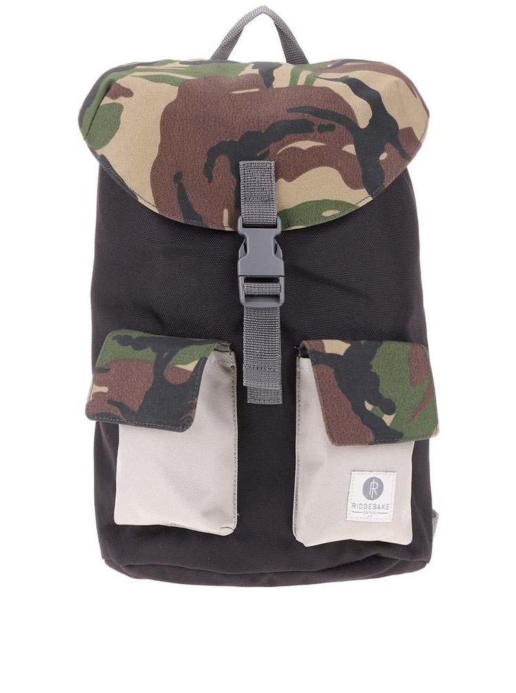 Černý batoh s přezkou a maskáčovým vzorem Ridgebake Glance