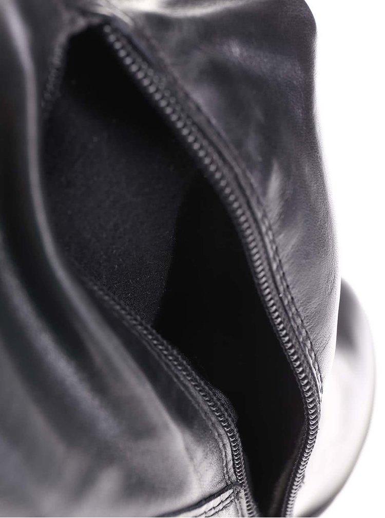 Černé kožené zřasené kozačky na podpatku Tamaris