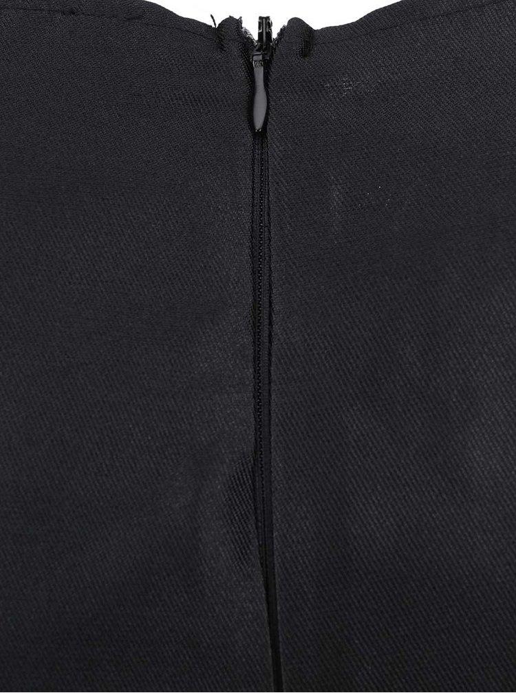 Černé šaty s ozdobnou aplikací v dekoltu AX Paris