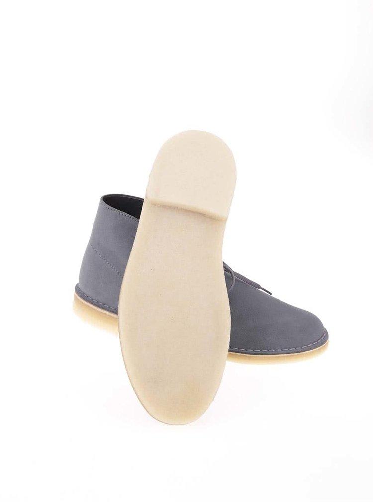 Sivé pánske kožené členkové topánky Clarks Desert Boot