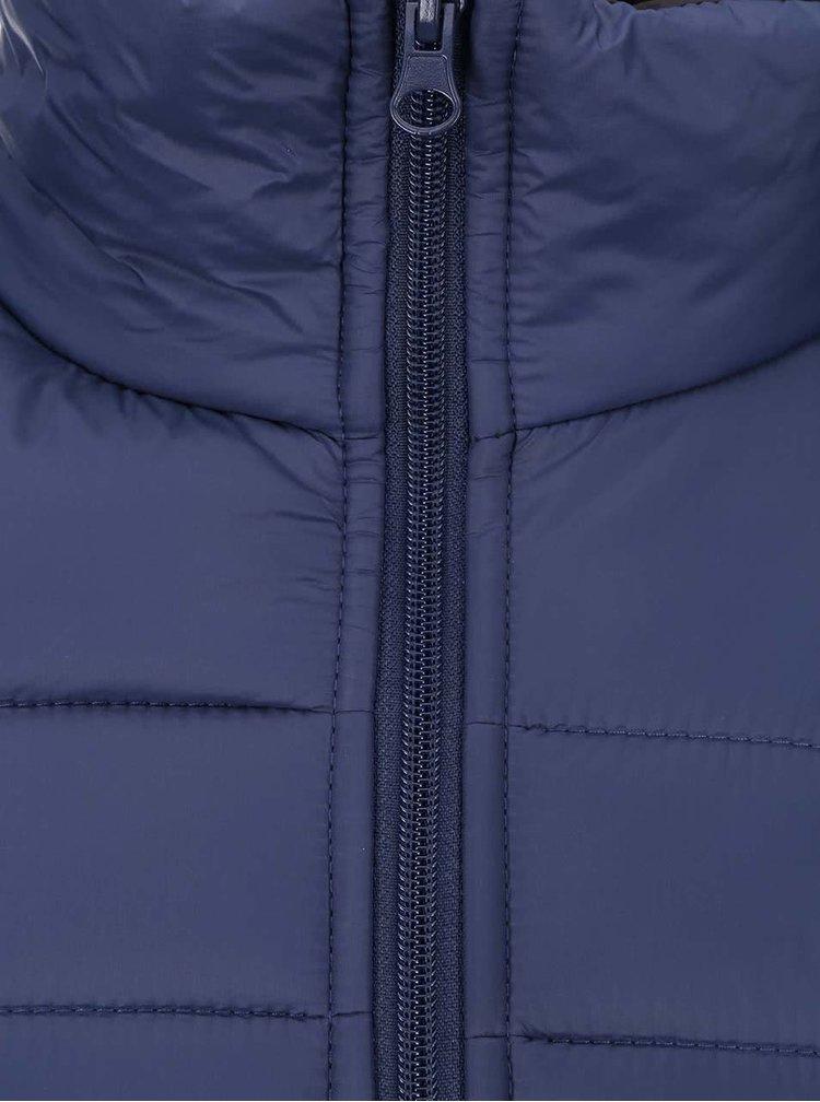 Tmavomodrá kratšia prešívaná bunda Blend