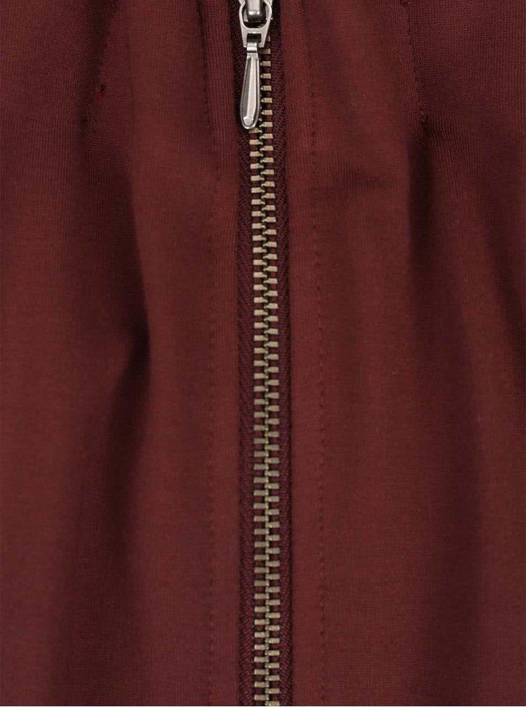 Červené šaty se zipem na zádech s.Oliver