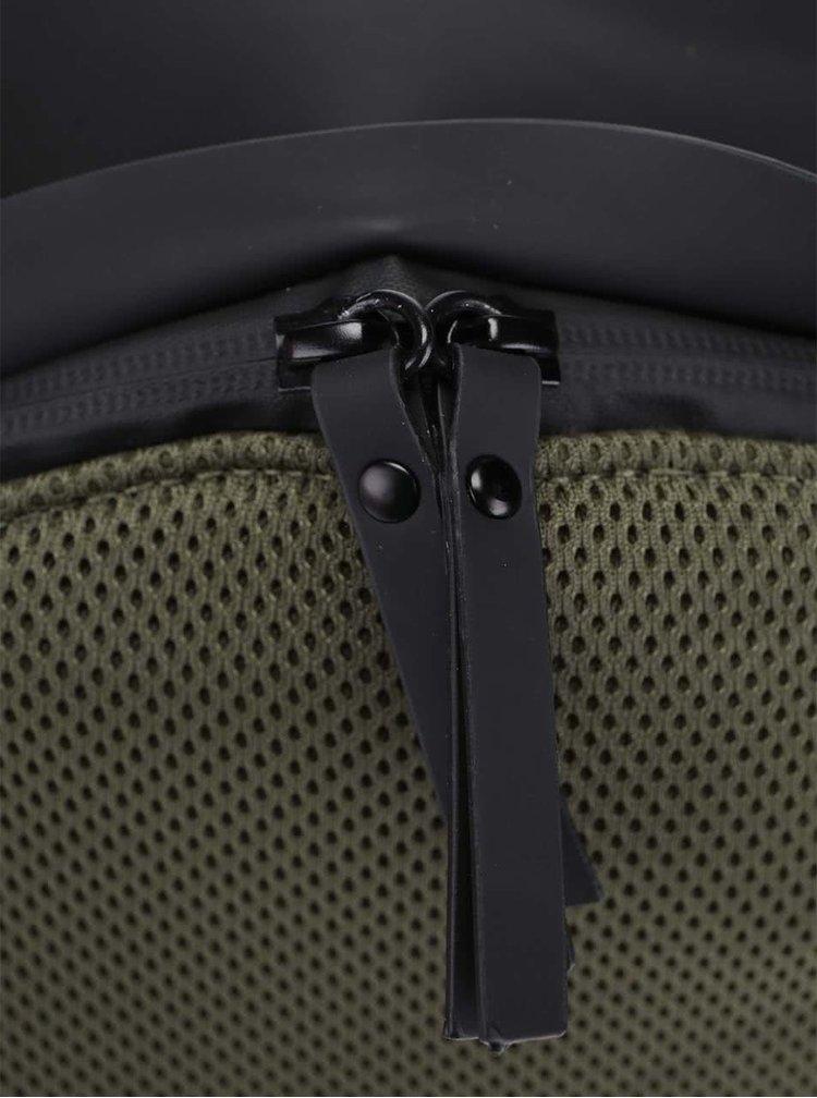 Tmavozelený vodovzdorný batoh RAINS