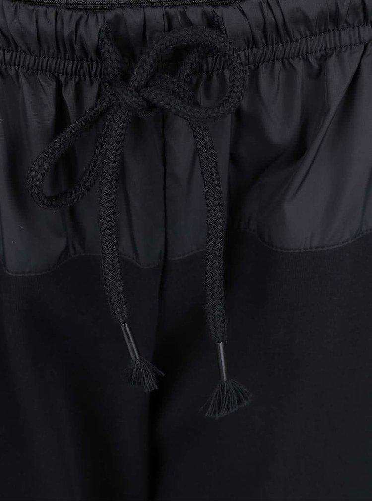 Čierne teplákové nohavice Desires Tarlan
